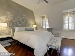 Master Bedroom Ceiling Fans by Contemporary Master Bedroom With Hardwood Floors U0026 Ceiling Fan In