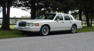 Old Lincoln Town Car 1991 Lincoln Town Car Information And Photos Zombiedrive