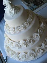 wedding cake roses all white roses wedding cake a wedding cake