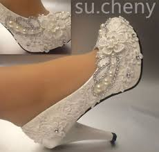 lace ivory wedding shoes 3 4 heel white ivory lace pearls wedding shoes pumps