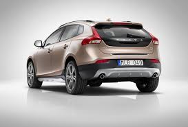 volvo v40 cross country r design 2013 volvo v40 r design and cross country pricing 22 295 and