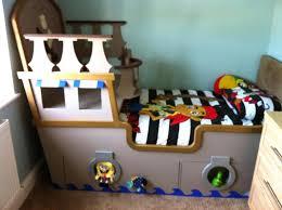 chambre bateau pirate lit bateau pirate lit bateau pirate5 lit bateau pirate but
