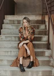 how to dress for thanksgiving dinner dash of darling the best fall dress to wear to thanksgiving dinner
