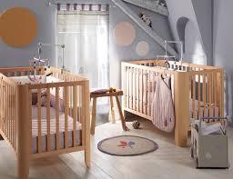 chambre de bebe complete dcoration de chambre bb la chambre les murs ont t laisss le