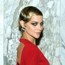 hair and makeup vintage 3 gorgeous moments of retro beauty inspiration from last night s