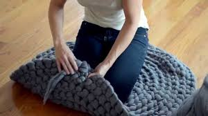 how to crochet a giant circular rug no sew youtube