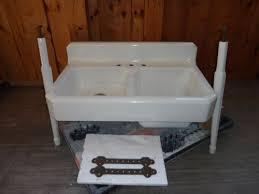Antique Cast Iron Farm Farmhouse Vintage Apron Kitchen Sink  Legs - Kitchen sink on legs