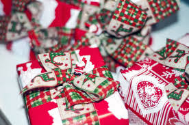 Christmas Gifts For Volunteers Gift Wrapping Stations Benefit Charity Life The News