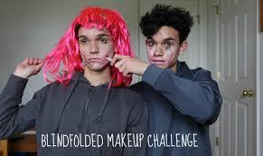 Lucas Challenge Blindfolded Makeup Challenge