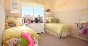 chambre enfant com idée décoration et rangement chambre bébé enfant fille et garçon