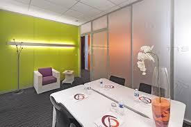 louer un bureau à la journée location bureaux équipés salles de réunion baya axess