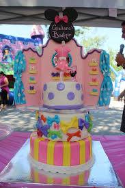 minnie bowtique cake ordering pls email