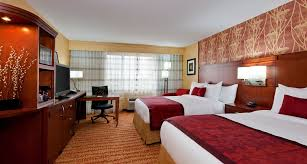 Bedroom Furniture Fort Wayne Hotels In Fort Wayne Courtyard Fort Wayne Downtown At Grand