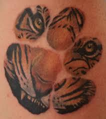 tiger paw print design for