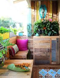 renter friendly patio makeover tropical patio decor