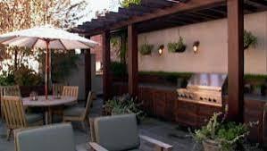 design an outdoor kitchen outdoor kitchen design ideas pictures hgtv