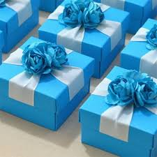boite a gateau mariage boîte à dragées bleue ruban et fleurs un jour spécial