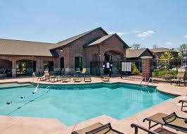 1 Bedroom Apartments For Rent Columbia Mo Townhomes By Brookside Rent College Pads