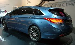 file hyundai i40 wagon rear quarter jpg wikimedia commons