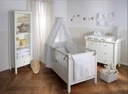 babyzimmer einrichten babyzimmer einrichten mit weiß babymöbel installation