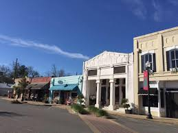 best towns in georgia 9 small towns dripping with southern charm