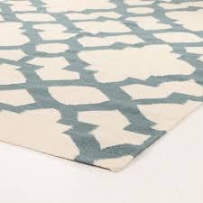 flat weave trellis design light blue white rug 280x190cm