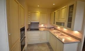 cuisine bois peint mobilier sur mesure pour toute la maison cuisiniste au vésinet amén
