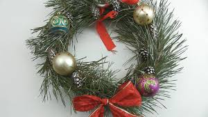 3 ways to make a wreath wikihow