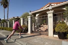 somany tiles lexus blue robin williams u0027 neighbors mourn u0027funny man u0027 who walked pug joked