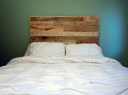 Headboards Queen Size Bed by Diy Queen Size Pallet Headboard 101 Pallets