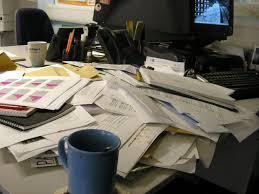 sur le bureau nettoyage de printemps bien o bureau