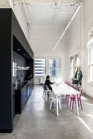 Office Interior Ideas by Best 20 Cool Office Space Ideas On Pinterest Cool Office