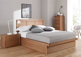 Platform Bed Diy Drawers by Diy Wooden Platform Bed Combine With Storage Drawer Chrome Finish