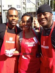 feed the homeless on thanksgiving blaire underwood evelyn lozada tatyana ali u0026 celebs feed