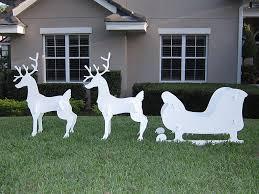 outdoor sleigh and reindeer decoration outdoor designs