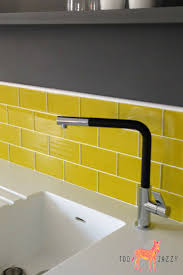 Tile For Kitchen Floor by Best 25 Yellow Kitchen Tile Ideas Ideas On Pinterest Yellow