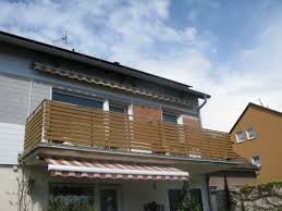 balkon lochblech edelstahl balkongeländer mit stäben lochblech glas trespa