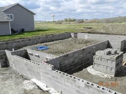 Building A Cinder Block House Concrete Block Garage Designs Easy Ways To Build A Concrete Block