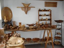 a description of the variety of wood and shapes of ornamental bowls