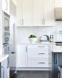 white kitchen cabinets backsplash ideas affordable lucite cabinet pulls review white shaker cabinets