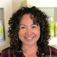 naturally curly hairstyles for plus size women 28 gorgeous medium length curly hairstyles for women in 2018