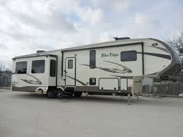 Blue Ridge And Cardinal Fifth Wheels By Forest River For New Or Used Rvs For Sale Fleetwood Airstream Winnebago