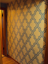 Quatrefoil Room Divider Diy Quatrefoil Wall Stenciling Aka Painted Wallpaper Do It