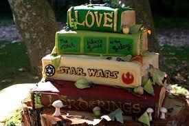 unique wedding cakes 12 unique wedding cakes that don t look like wedding cakes venuelust