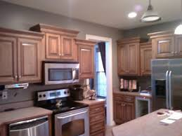 gray kitchen walls with oak cabinets gray kitchen walls oak cabinets page 2 line 17qq