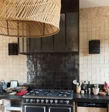 mur de cuisine en zellige et sud déco