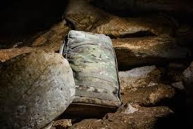 osprey u0027s new organizational bags are for neat freaks u2022 gear patrol