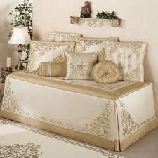 Daybed Coverlet Bedroom Interesting Daybed Covers With Striped Pillows