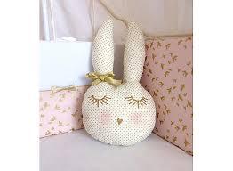 d orer la chambre de b doudou lapin décoration tête de lapin