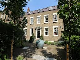 L Shaped Towhnome Courtyards Huge Historic Townhouse In The Heart Homeaway Lambeth
